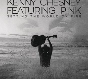 Kenny Chesney met Pink setting 350