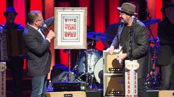 logo Vince Gill 25 years opry 350