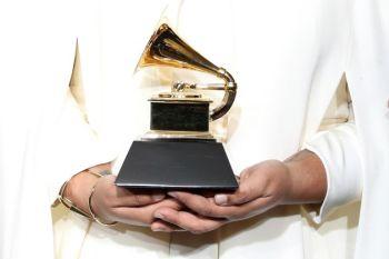 logo-grammy-awards-2017-350